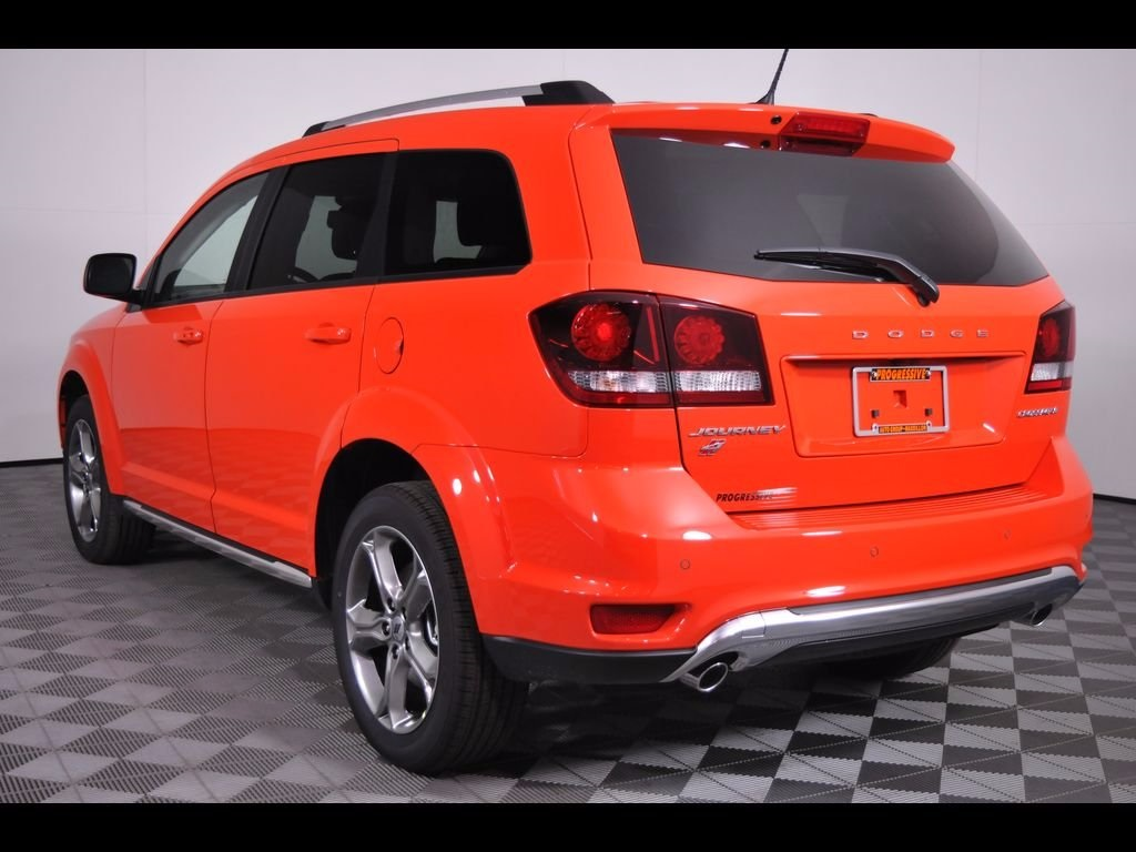 New 2018 Dodge Journey Crossroad 4d Sport Utility In